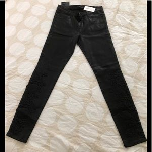 🔥🔥JBRAND COATED LACE SKINNY  GORGEOUS JEANS.